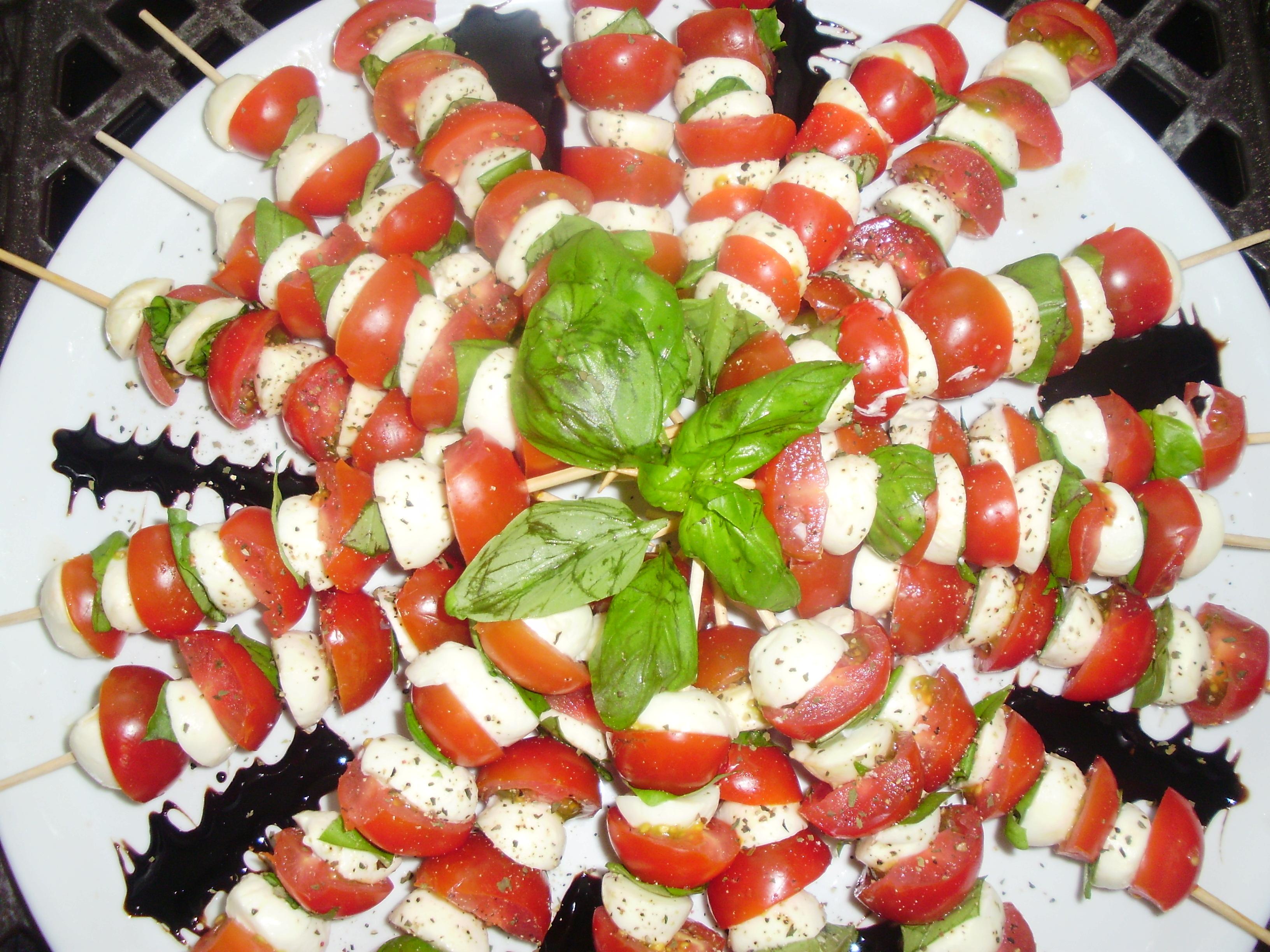 Tomaten-Mozzarella-Spieße